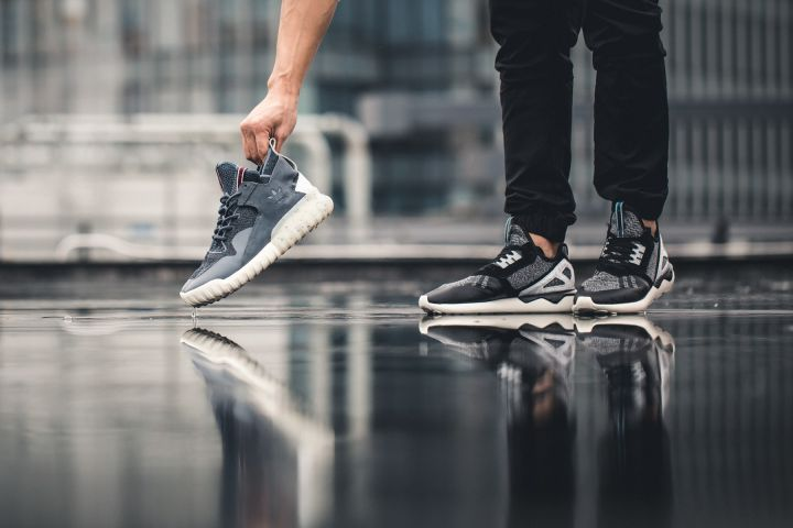 The king of a sword for ten years: Adidas Tubular running shoes